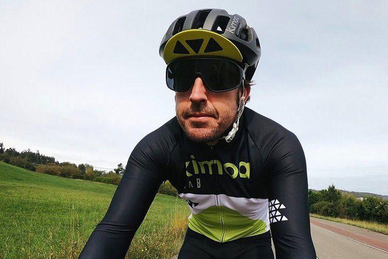 Alivio: Fernando Alonso fue operado tras el accidente que sufrió en bicicleta
