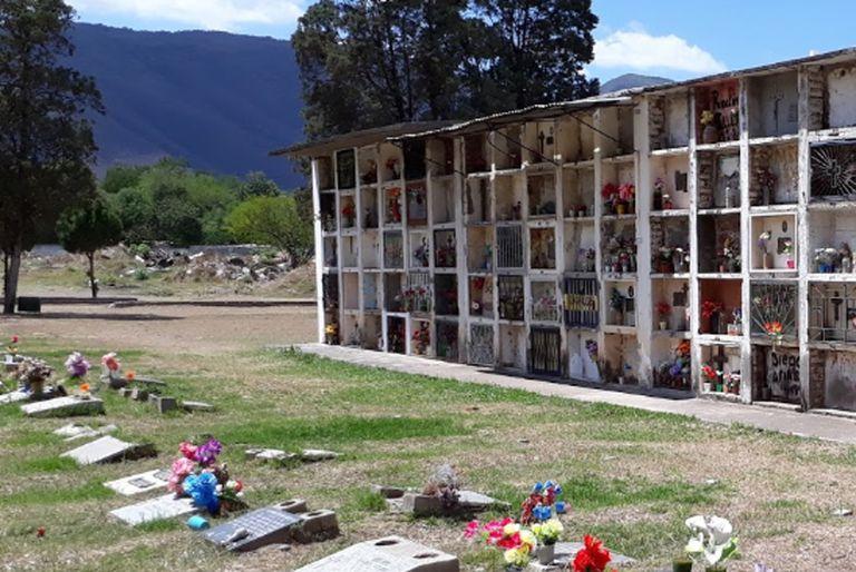 La municipalidad de Salta dispuso que se caven fosas comunes en el cementerio