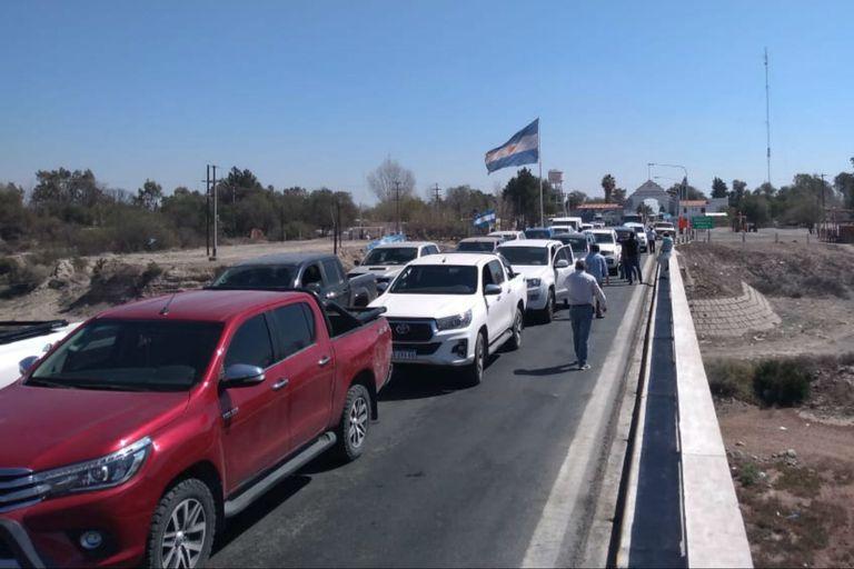 Tensión en Mendoza. Productores reclaman pasar a sus campos en San Luis