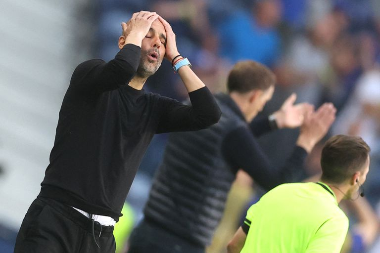 Pep Guardiola ganó dos Champions League, pero aún no pudo conquistarla con Manchester City; en Inglaterra, no se lo perdonan