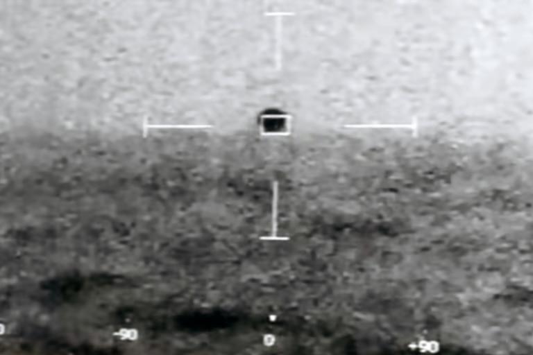 Militares norteamericanos informaron haber visto objetos voladores que viajaban a velocidades hipersónicas por el cielo y que cambiaban de dirección en maniobras que ninguna aeronave terrestre podría realizar