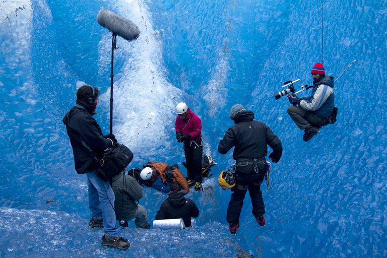 Actores, camarógrafos y productores en escenas de alto riesgo