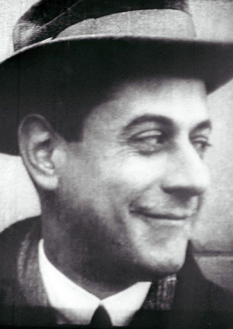 José Raúl Capablanca no necesitaba pensar en el ajedrez: de un vistazo entendía cada posición; era muy elogiado por sus grandes adversarios.