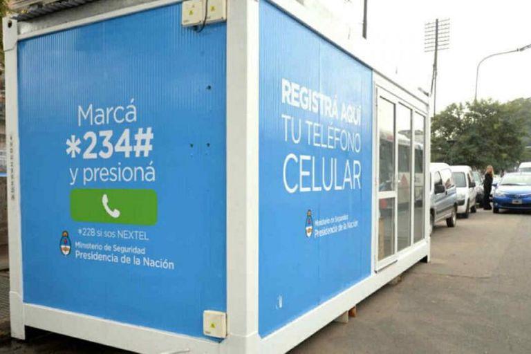 Bloquearán las tarjetas de líneas prepagas de celular que no estén registradas