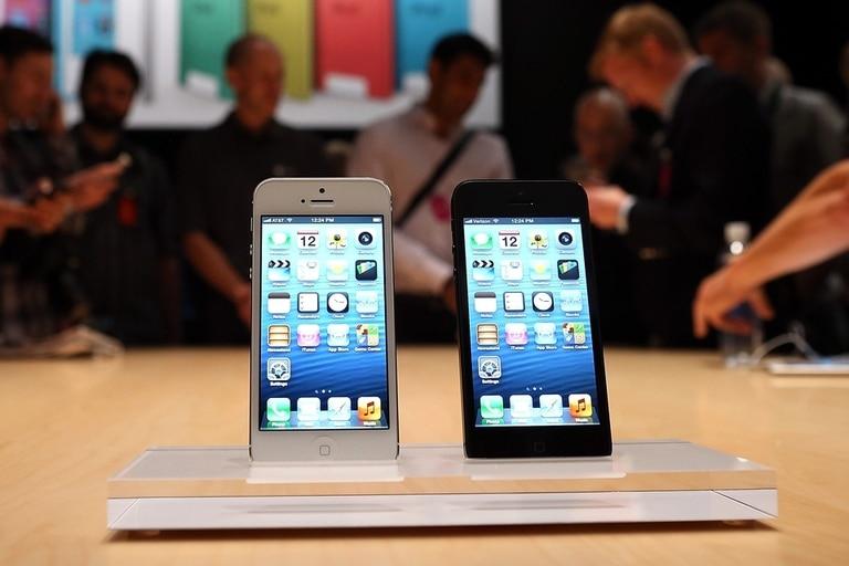 Los dos colores del iPhone 5