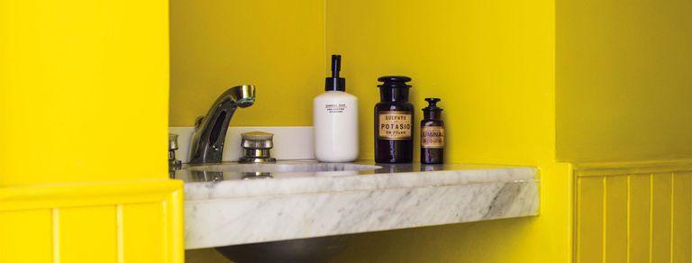 La imaginación al toilette. Colores y texturas en baños que sorprenden