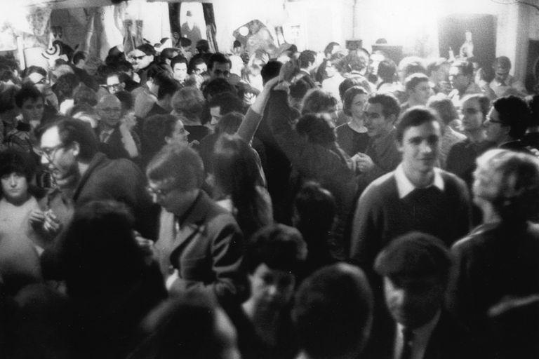 La fiesta del guardarropas a la que asistió Marcel Duchamp, en 1964