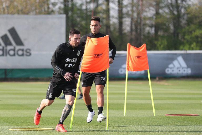 """Scaloni: la """"extensa charla"""" con Messi y su disgusto por """"separar"""" jugadores"""