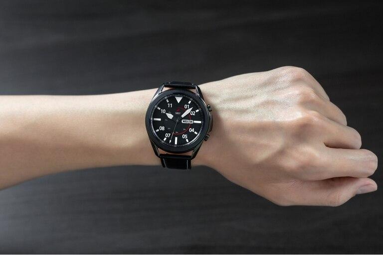 El reloj Galaxy Watch3 apuesta por un diseño clásico, aunque repleto de tecnología
