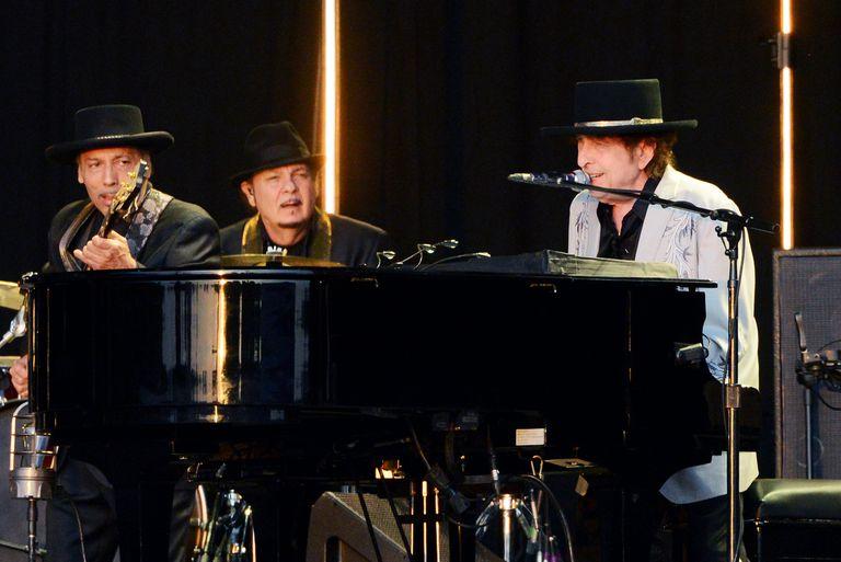 Playlist: Bob Dylan, Dua Lipa, Rosalía y más