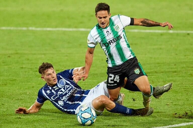 Luciano Gómez recibe una zancadilla y no avanzará más; Banfield ya se aseguró un lugar en la Zona Campeonato.