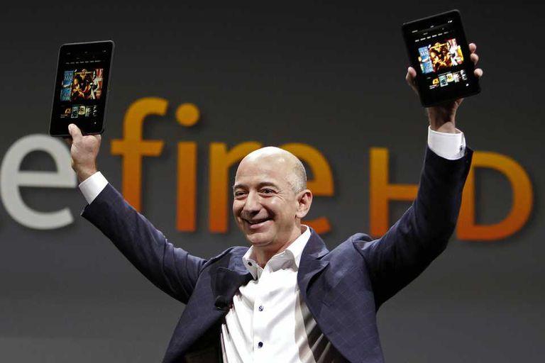 Jeff Bezos, CEO de Amazon, durante la presentación de la segunda generación del Kindle Fire