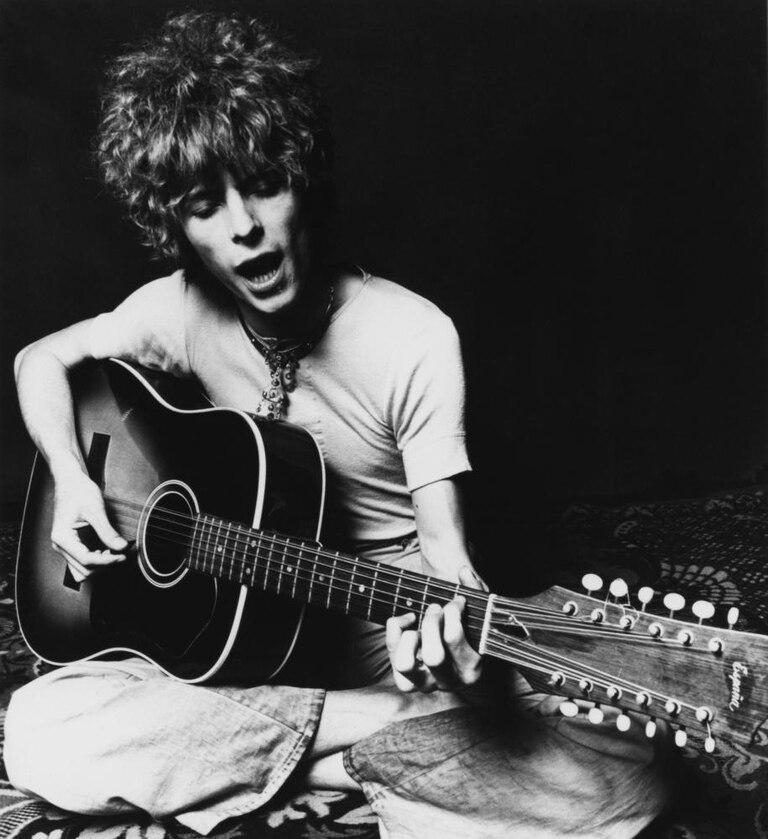 David Bowie tocó la guitarra para grabar el demo que se editará próximamente
