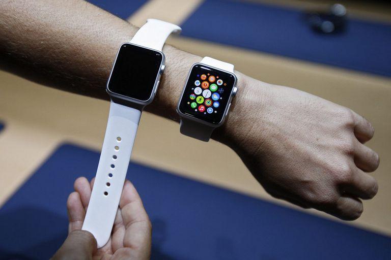 La detección corporal, como la que tiene el reloj de Apple, es un mecanismo que permite determinar cuándo el dispositivo está en movimiento