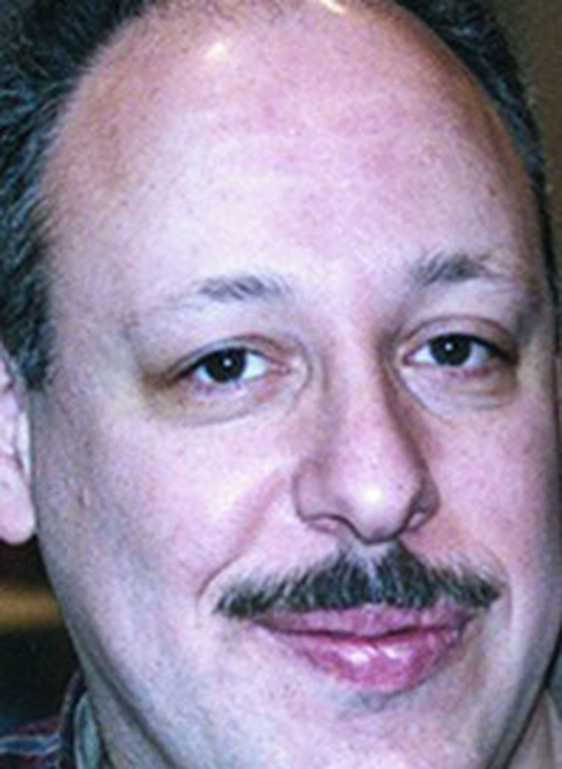 Guillermo Alejandro Chalcoff trabajaba como desarrollador de software en una empresa que tenía oficinas en las Torres Gemelas, en donde se encontraba el día del ataque terrorista
