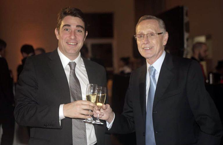El ministro de Energía, Javier Iguacel, se mostró sonriente y conversador