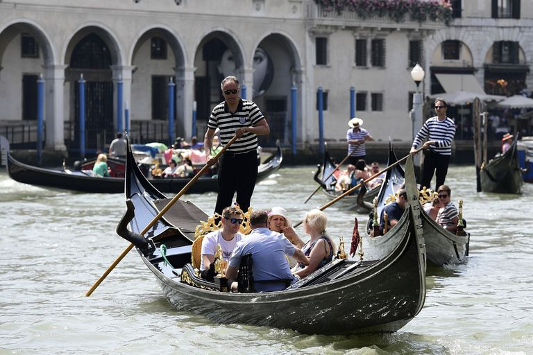 Venecia: las góndolas llevarán menos personas debido al sobrepeso de turistas