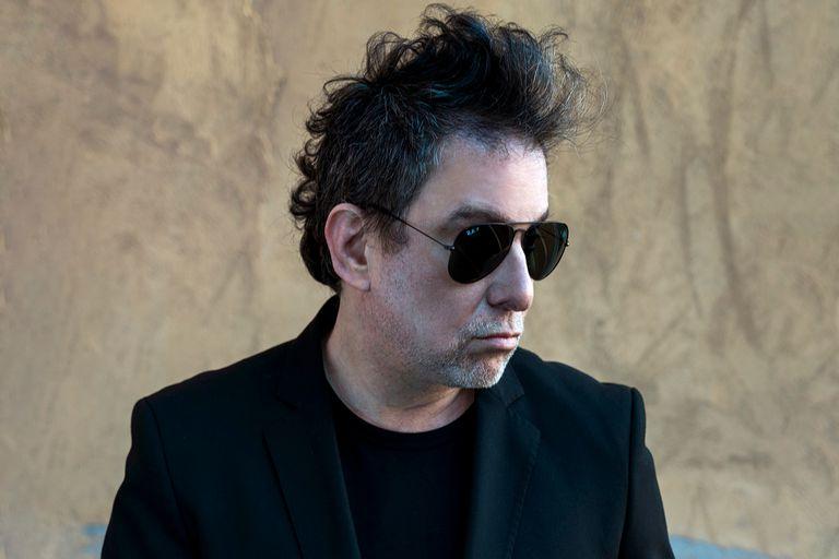 Andrés Calamaro presentó su nuevo disco en la televisión española