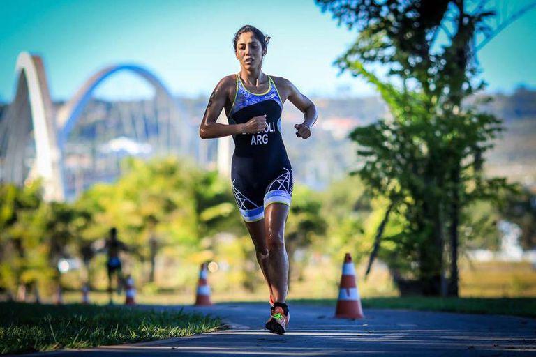 La triatleta que se fracturó una costilla, se levantó y llegó a los Juegos Olímpicos