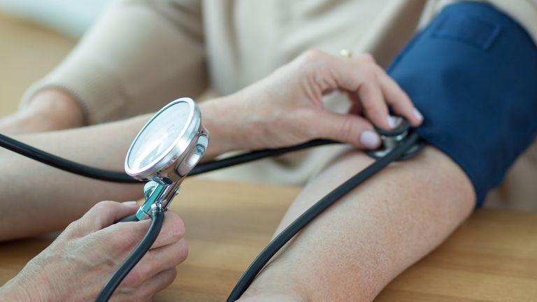 La hipertensión arterial es una patología crónica que pone en riesgo a los vasos sanguíneos por una tensión desmedida