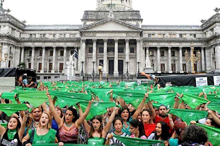 El lunes se realizó una marcha frente al Congreso para promover la aprobación de la ley