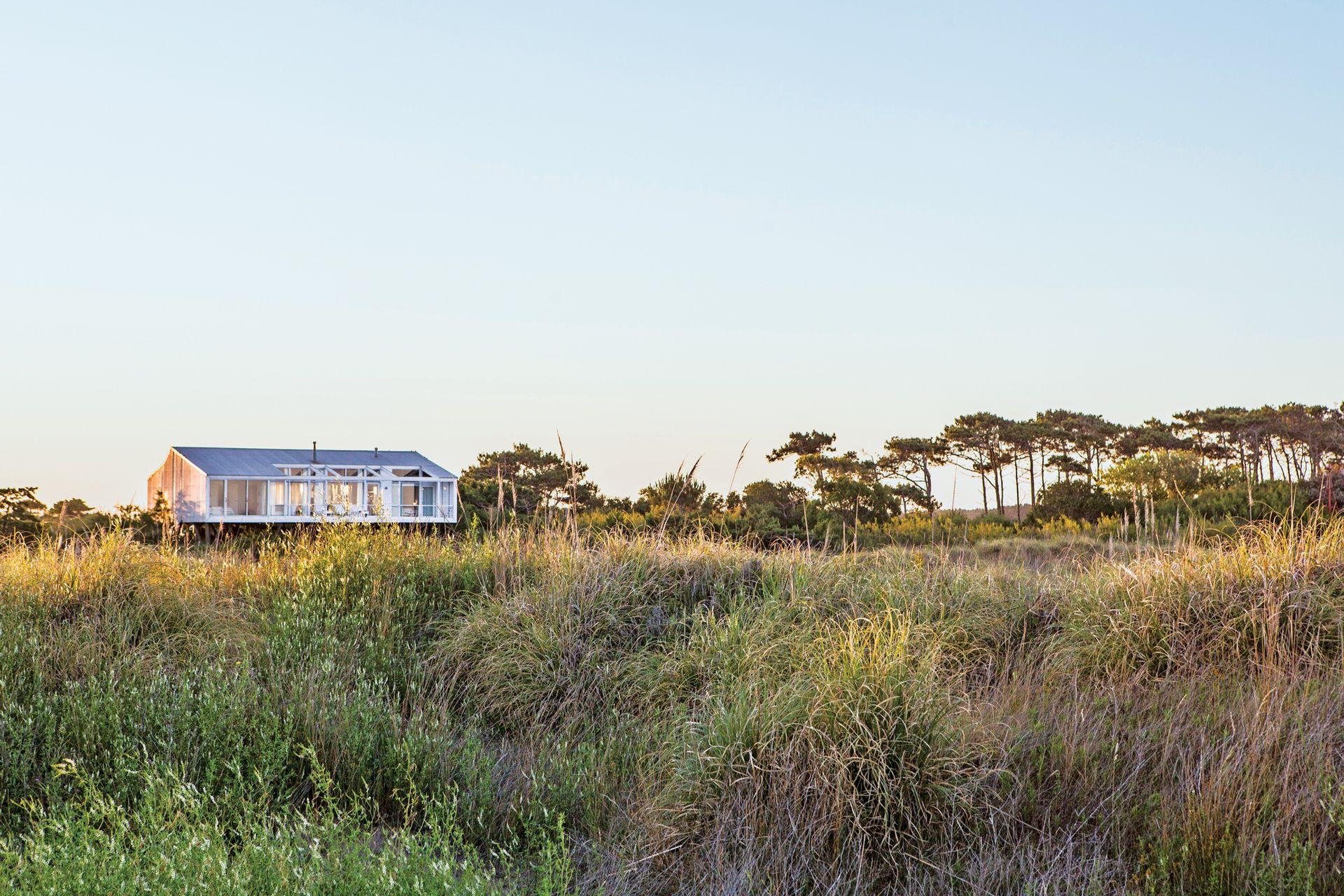 Las vistas que ofrece Tamariscos impacta a los visitantes que llegan a través de Airbnb