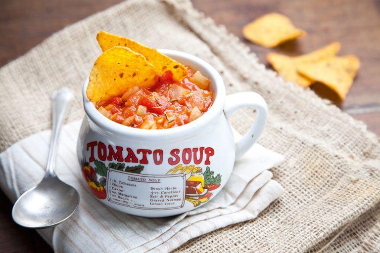 Sopa de tomate e hinojo