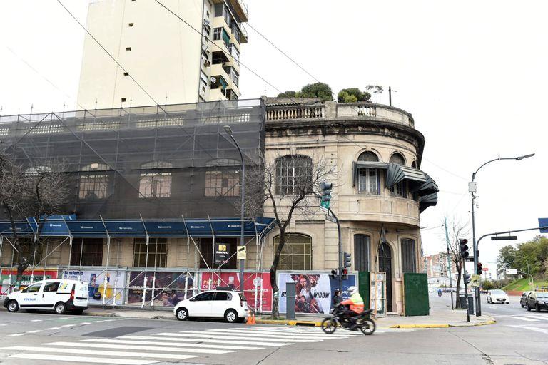 La Escuela Taller del Casco Histórico de la ciudad: el último edificio demolido para continuar con la extensión del Metrobús del Bajo.