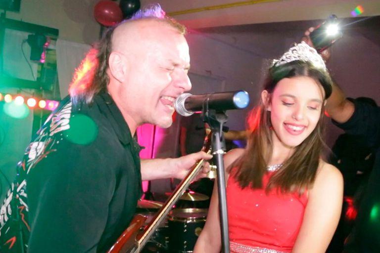 La Renga tocó en el cumpleaños de 15 de la sobrina de su cantante