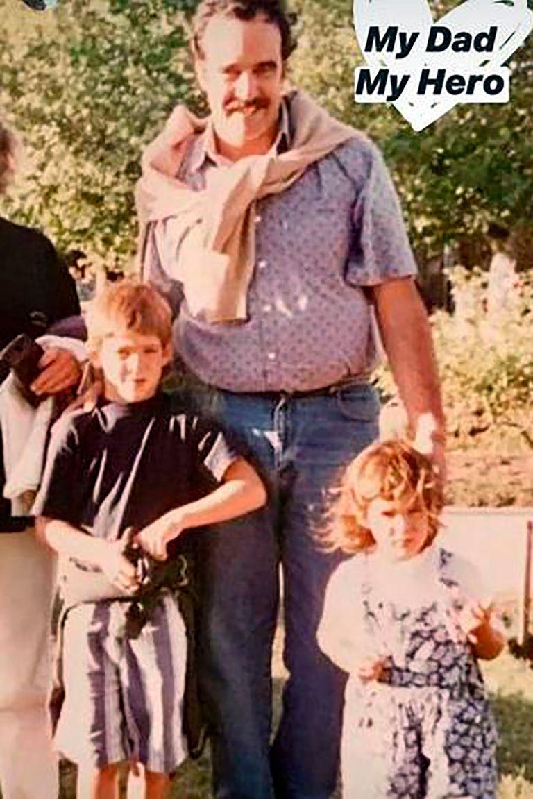 Una postal familiar: Daniel del Potro, de perfil muy bajo, junto con sus hijos, Juan Martín y Julieta; el papá del tenista falleció este lunes, a los 64 años.