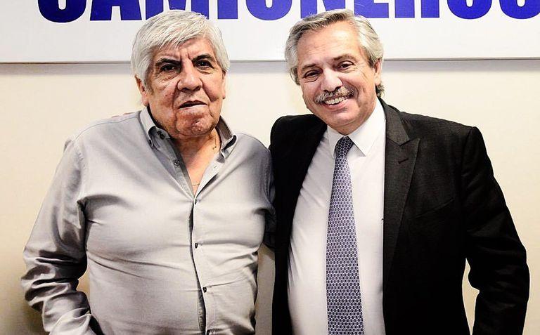 Hugo Moyano respaldó a Alberto Fernández en medio de la crisis institucional