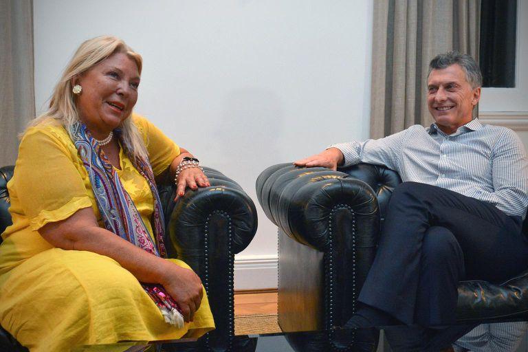 Elisa Carrió y Mauricio Macri compartieron una charla antes de la cumbre de la coalición opositora