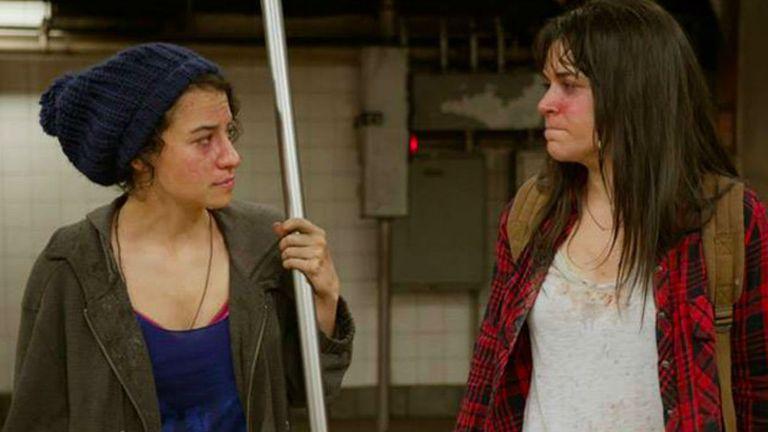Ilana y Abbi, en las antípodas de la buena suerte pero siempre unidas