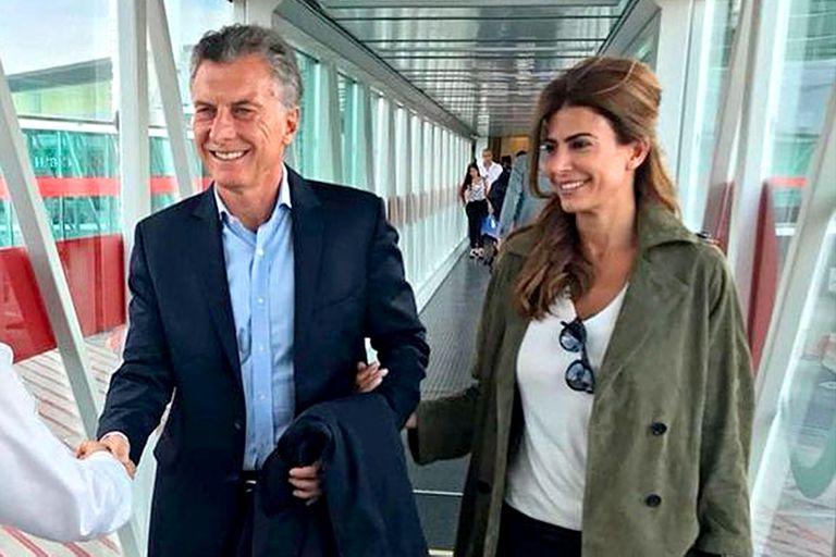 El expresidente se encuentra en Zúrich luego de su gira por España; esperaba tomar un avión de vuelta al país este martes por la noche