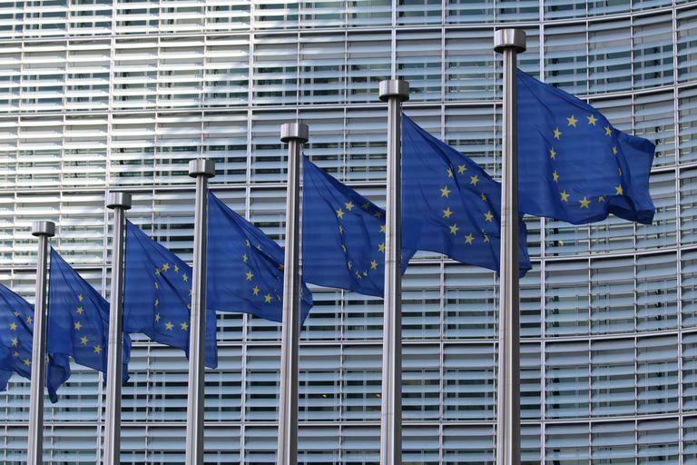 12-05-2021 Banderas de la UE POLITICA ESPAÑA EUROPA CANTABRIA GUILLAUME PERIGOIS/UIMP
