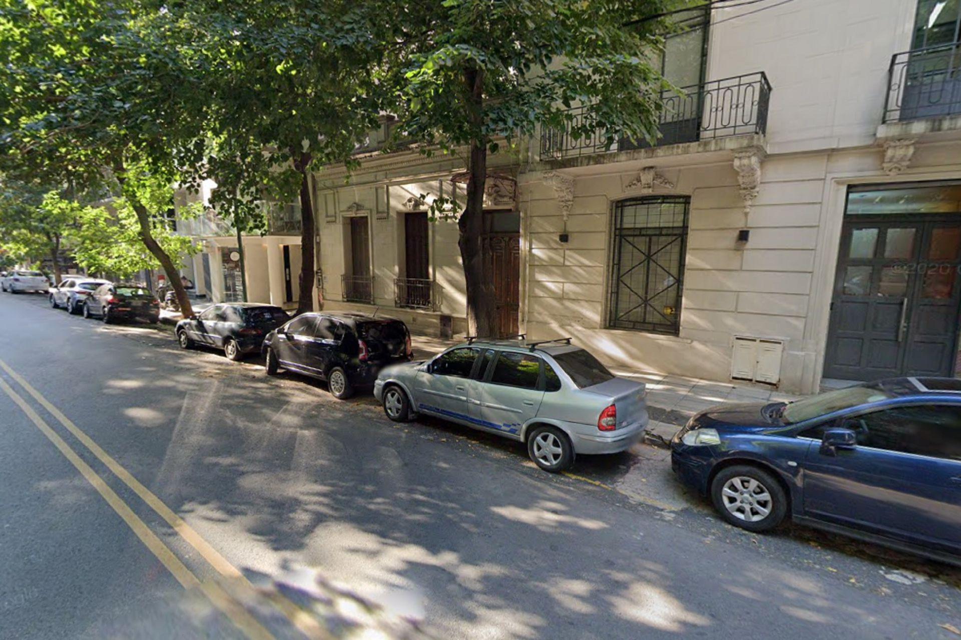 Demaría 4667: frente a esta casa fue baleado Poli Armentano la madrugada del 20 de abril de 1994