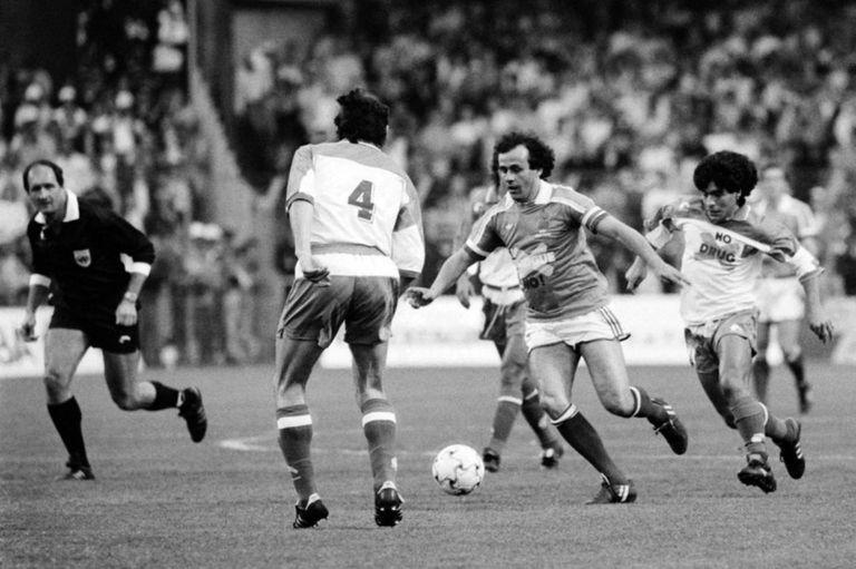 Maradona usó botines adidas en la despedida de Platini; luego Matthäus los usó en la final de Italia 90