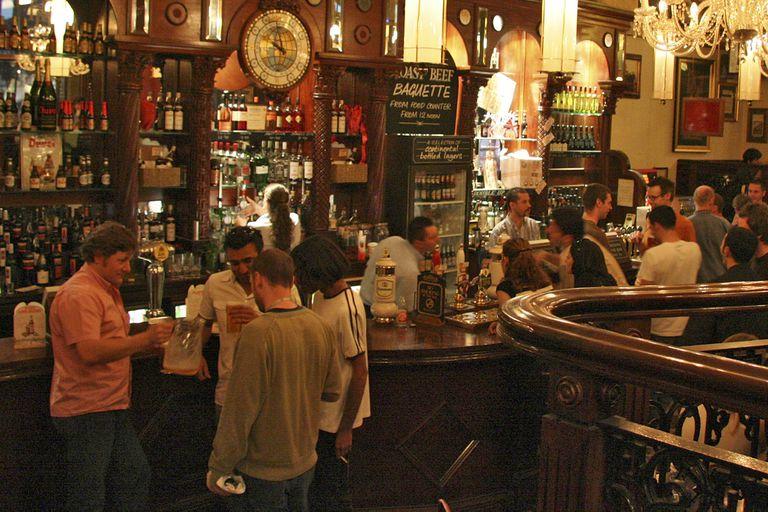 Dry January: por qué millones de británicos no beben alcohol en enero