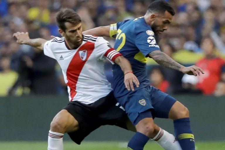 Tevez versus Ponzio, en el superclásico del pasado 2 de enero