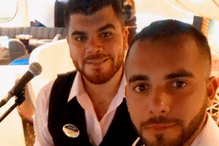 Los hermanos Giovos viven encerrados en Lisboa el crucero en el que trabajan, esperando la repatriación
