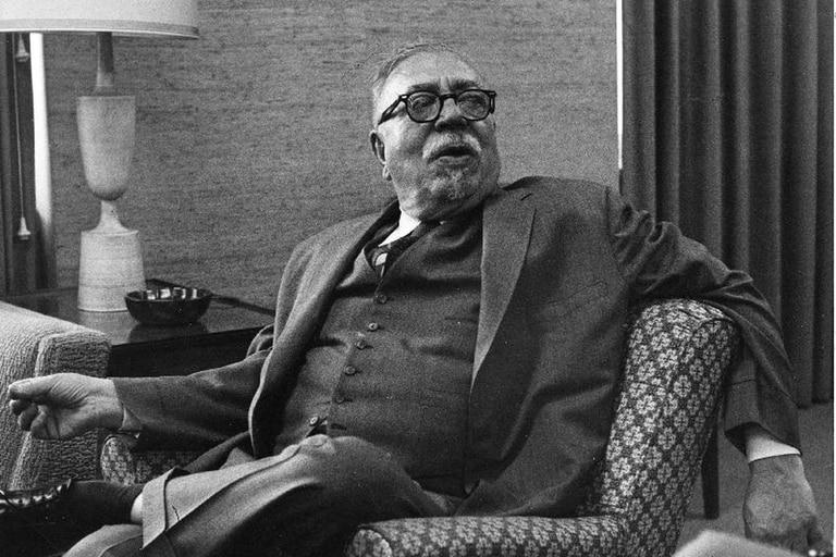 Norbert Wiener en 1961 hablando sobre la segunda edición de Cibernética y sociedad