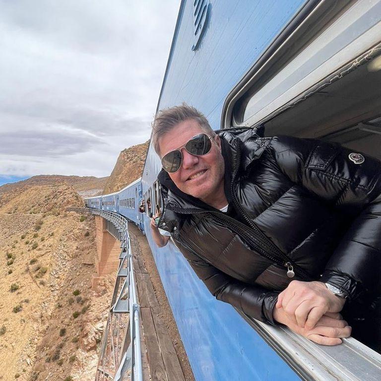 Fernando Burlando viajó en el Tren de las Nubes junto a Barby Franco en su visita a Salta