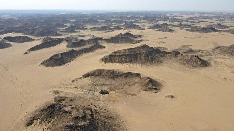 Los buzos del Equipo de Exploración de Cuevas de Omán (OCET) dijeron que solo encontraron serpientes, animales muertos y perlas