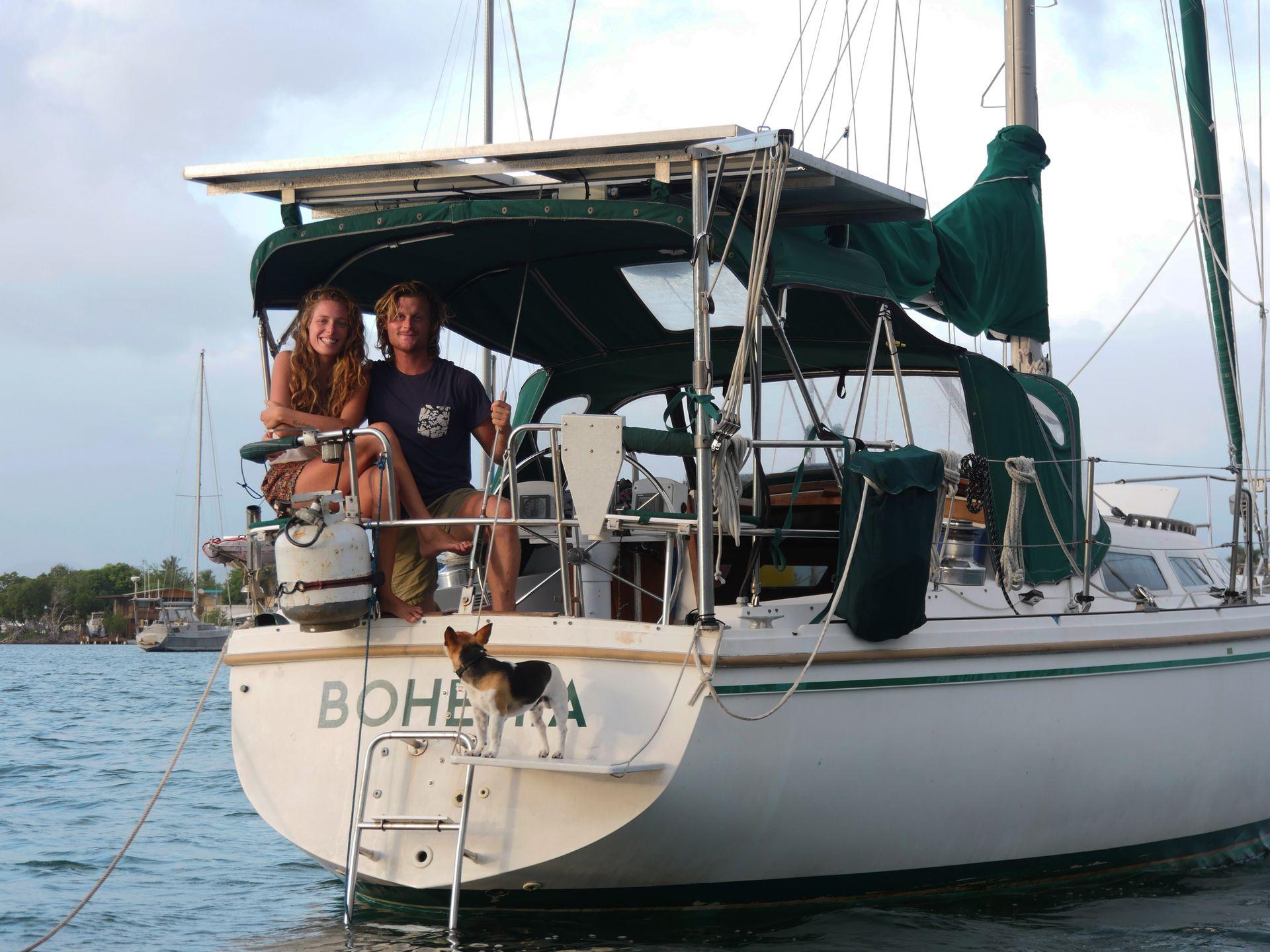 Thomas y Agustina crearon un canal de YouTube que se llama elviajedebohemia, donde cada semana suben un episodio corto de 10 o 15 minutos sobre turismo y navegación, y transmiten algunos conocimientos de náutica