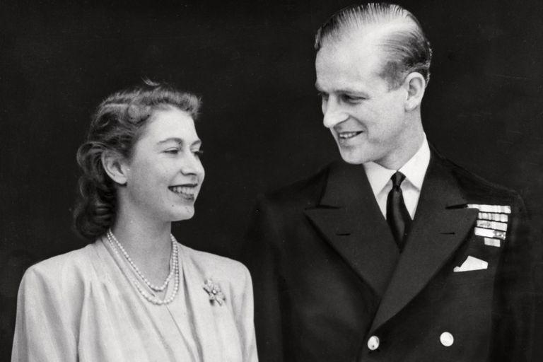 Felipe de Edimburgo. Su primer encuentro con Isabel, cuando ella tenía 13 años
