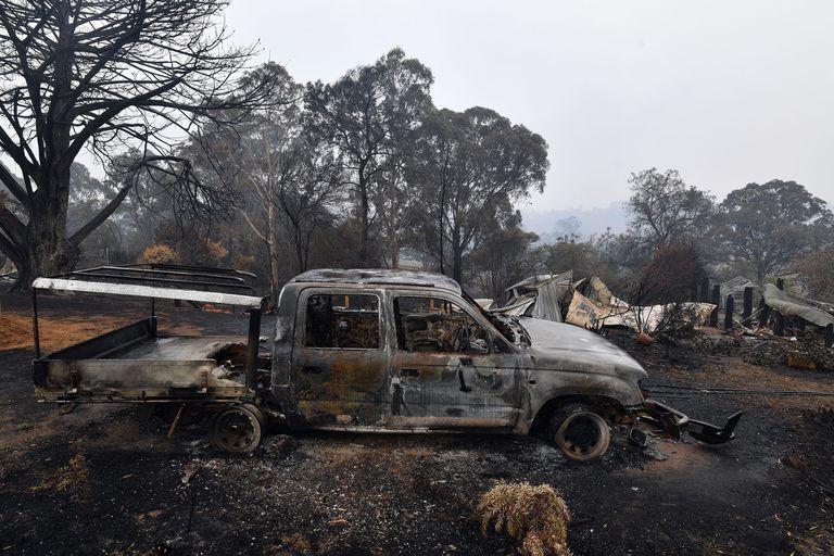 El gobierno de Australia desplegó hoy reservistas del ejército en las zonas devastadas por los incendio