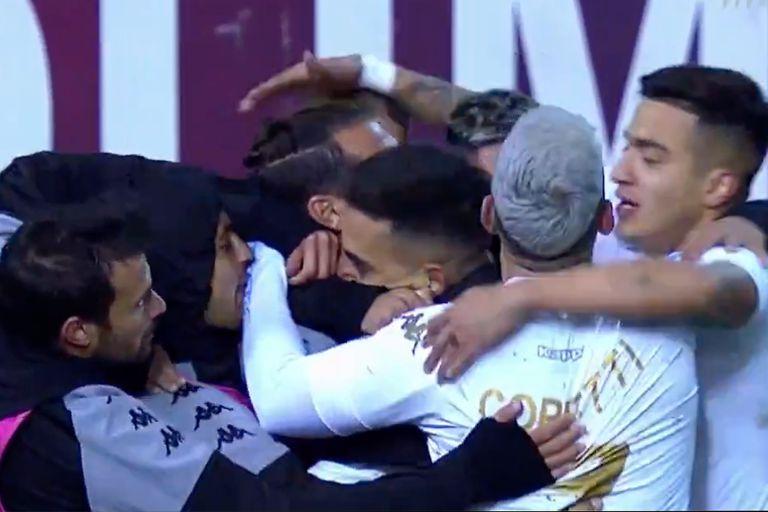 Racing respiró con una victoria sobre Aldosivi para romper la sequía de goles