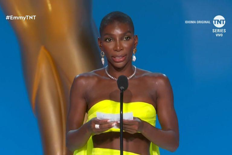 Michaela Coel se llevó el Emmy al mejor guion de miniserie y brindó un poderoso discurso