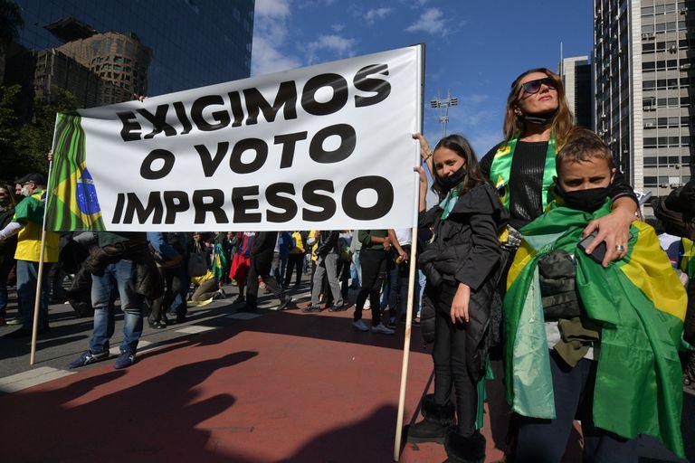 Una manifestación en apoyo del presidente brasileño Jair Bolsonaro y su campaña contra el voto electrónico