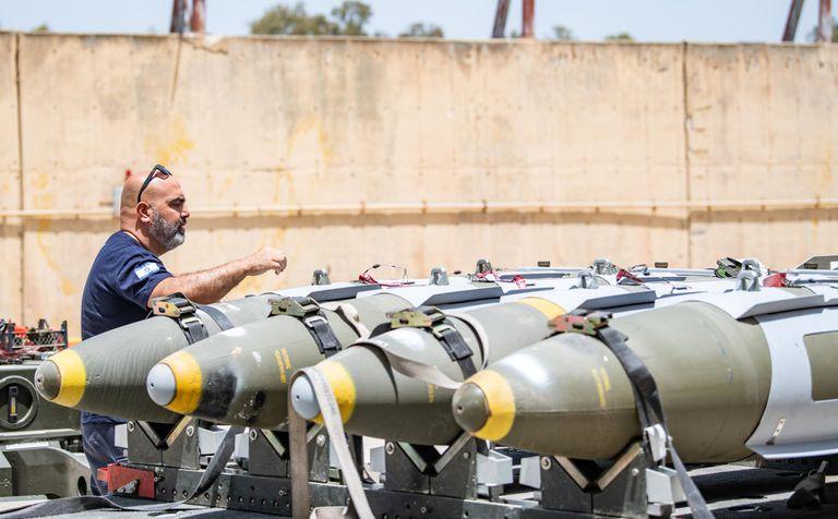 Preparativos de la Fuerza Aéreal de Israel, antes de los despegues